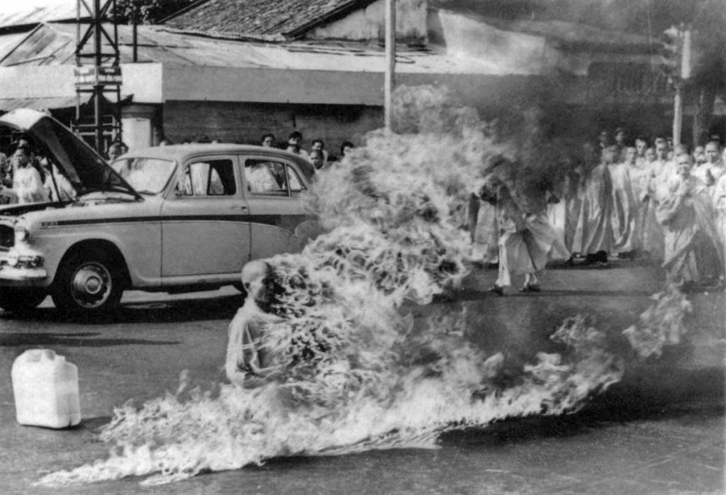 Inmolación de monje budista, 1963. Fotografía de Malcolm Browne