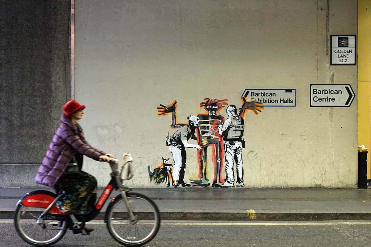 Banksy rinde honores al artista basquiat en londres