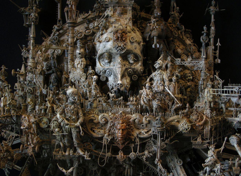 Kriss Kuksi escultura de calavera