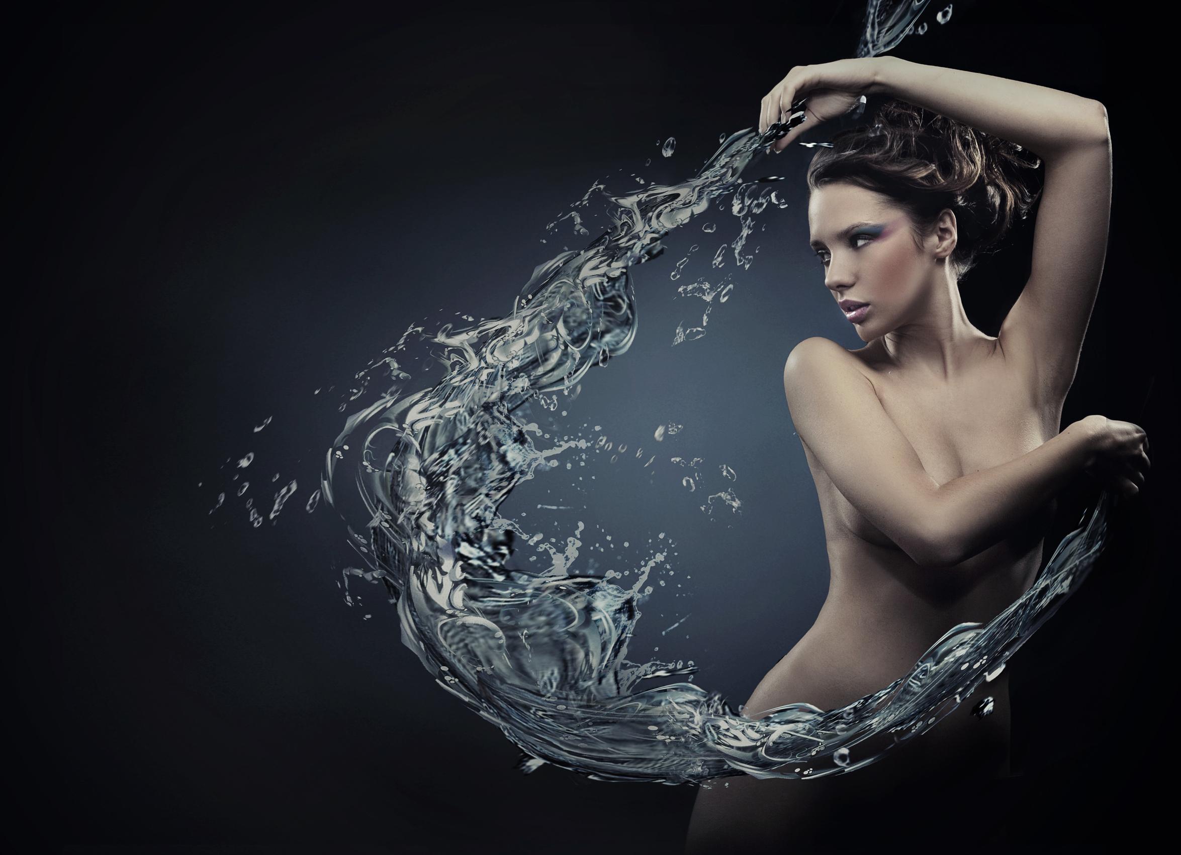 Mujer creando ola del archivo de deposiphotos