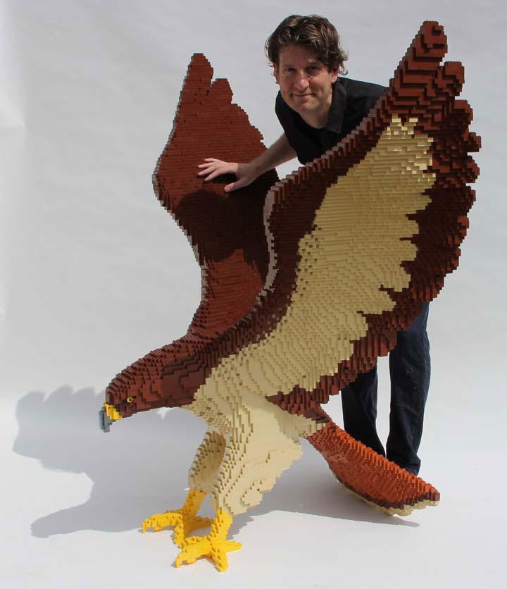 Aguila creada con piezas lego