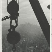 Vista aerea de nueva york desde los andamios del empire state en 1930