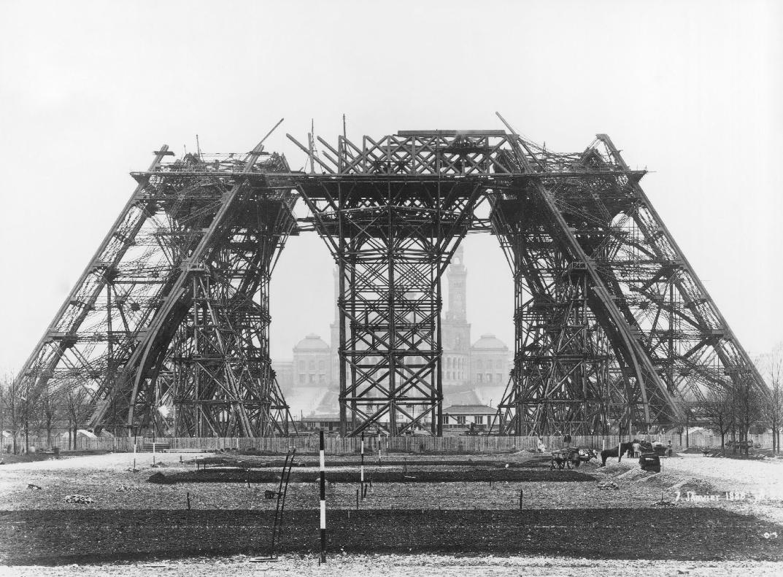 20-imagenes-de-la-construccion-de-la-torre-eiffel-oldskull-11-1