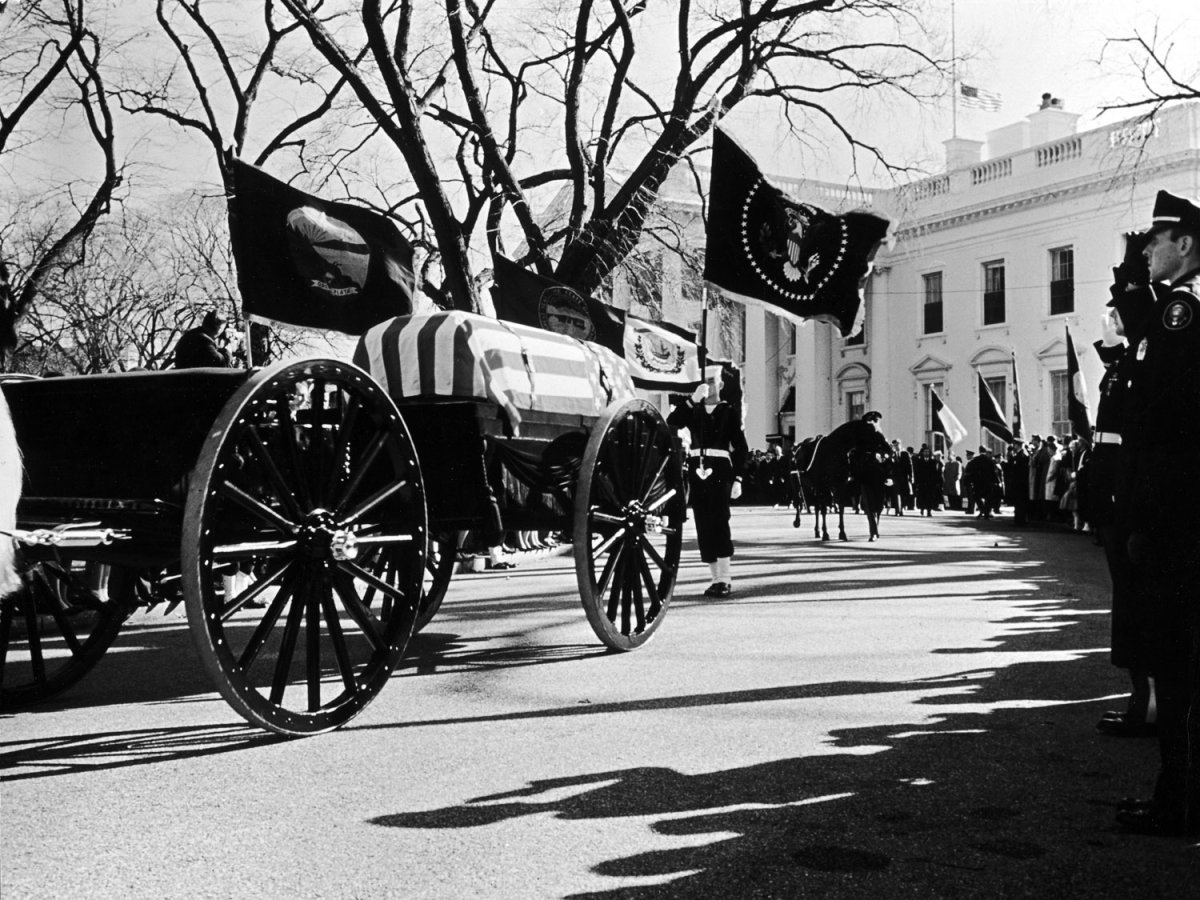 Funeral_Kennedy-photography-oldskull-94