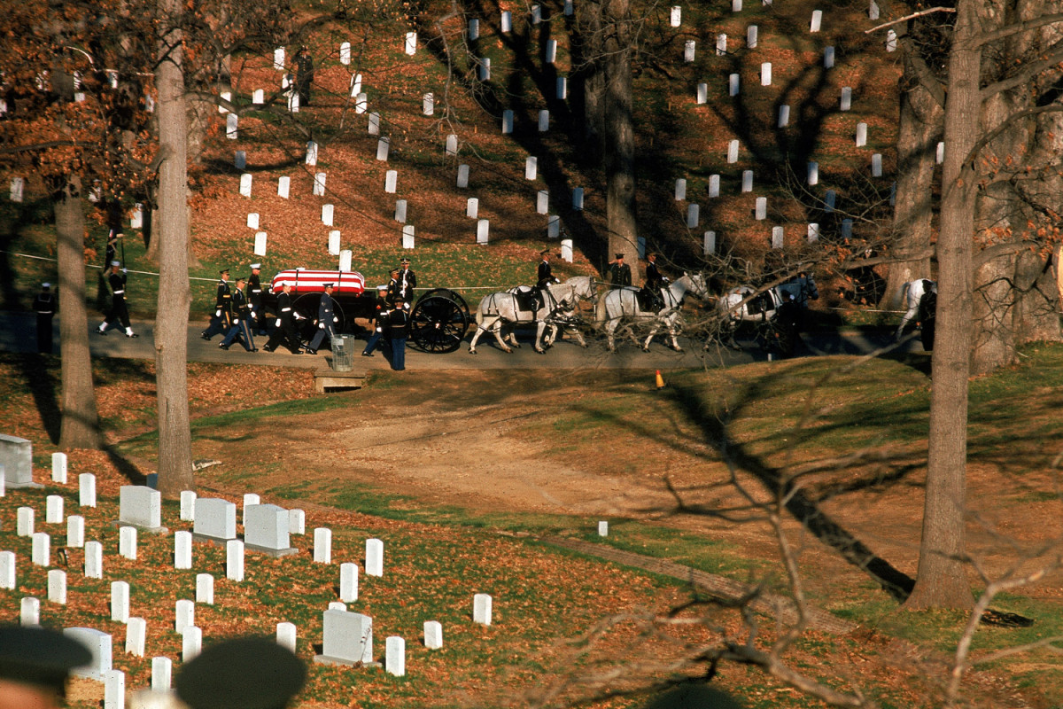 Funeral_Kennedy-photography-oldskull-96