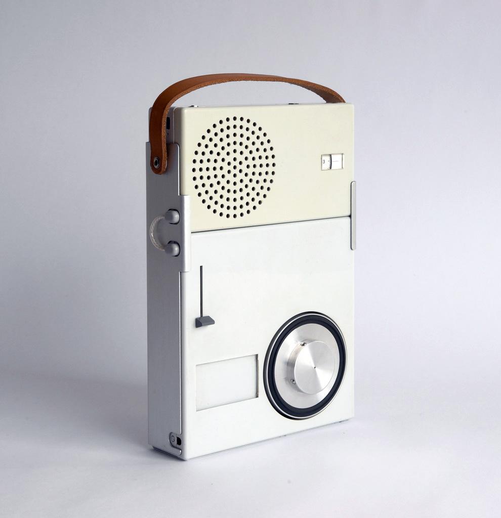 Radio tp1 diseñada por dieter rams
