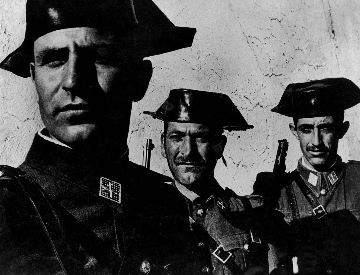 Guardias civiles en españa
