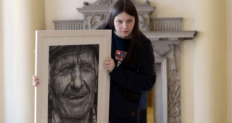 hiperrealista-retrato-16-anos-ilustracion-3