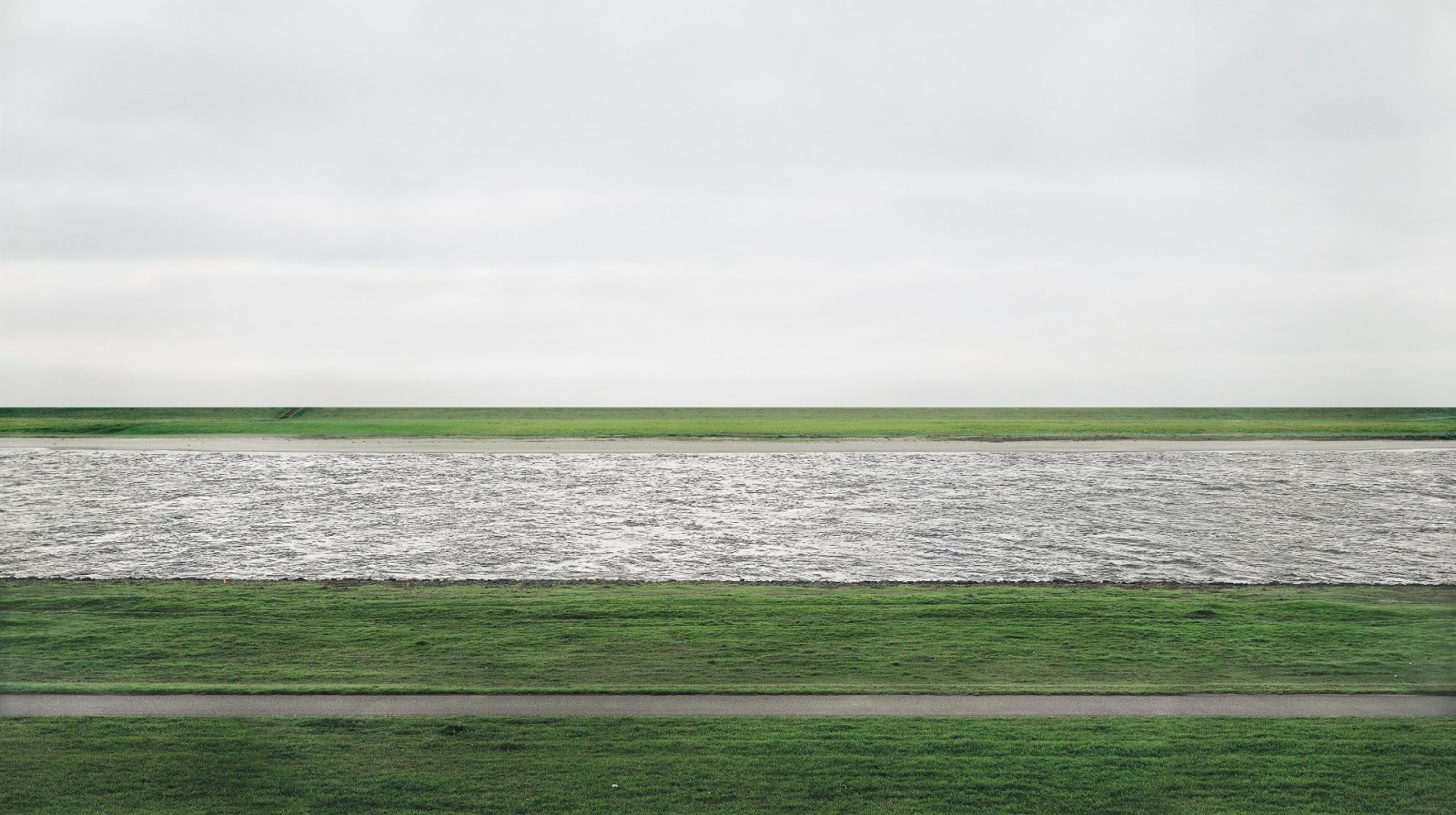 most-expensive-photo-andreas-gursky-the-rhein-1