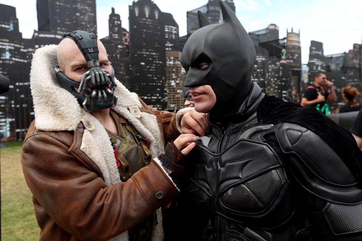 comic-con cosplay batman y bane