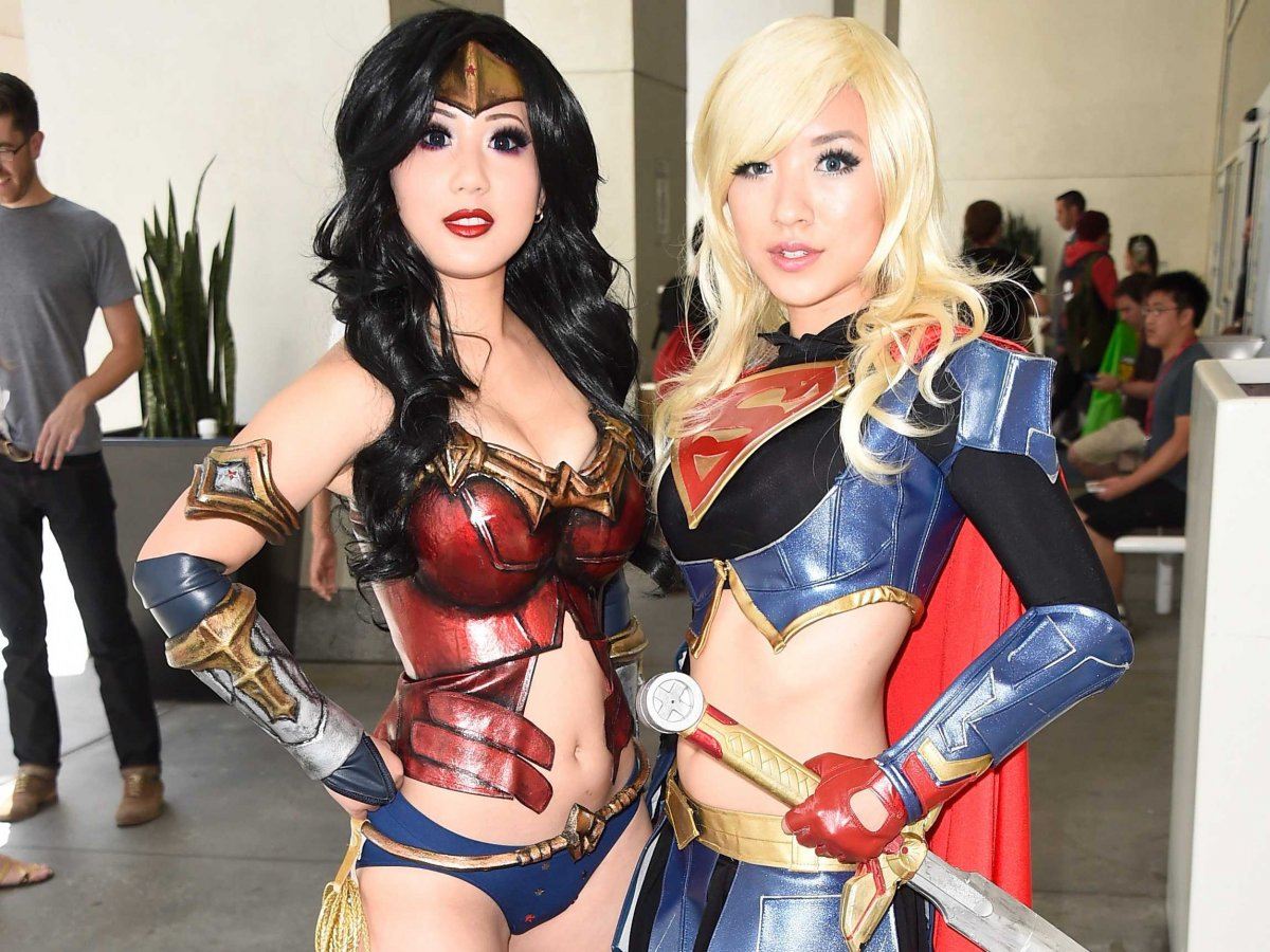 Cosplay comic-con san diego warriors girls