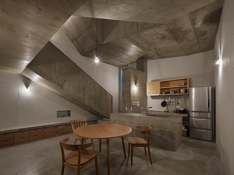 nishiochiai-arquitectura-escalera-8