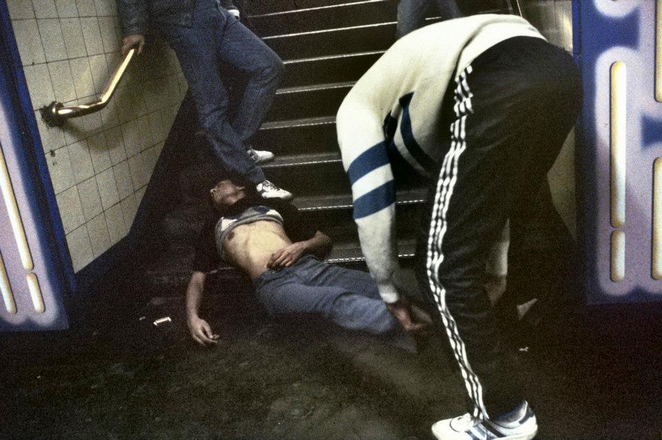 Fotografía de Chico herido dentro del metro de londres
