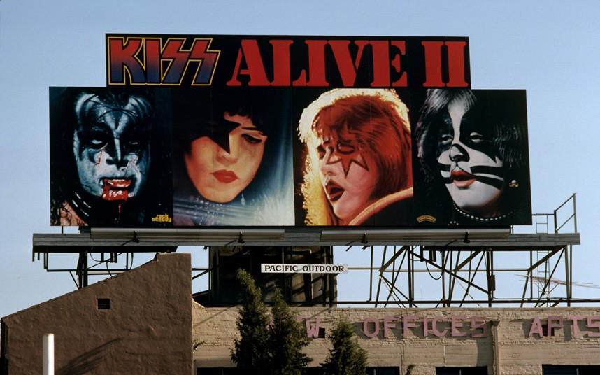 kiss-sunset strip