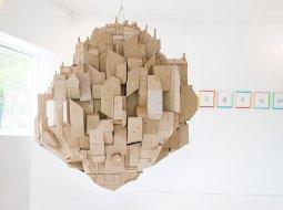 ciudad hecha de carton