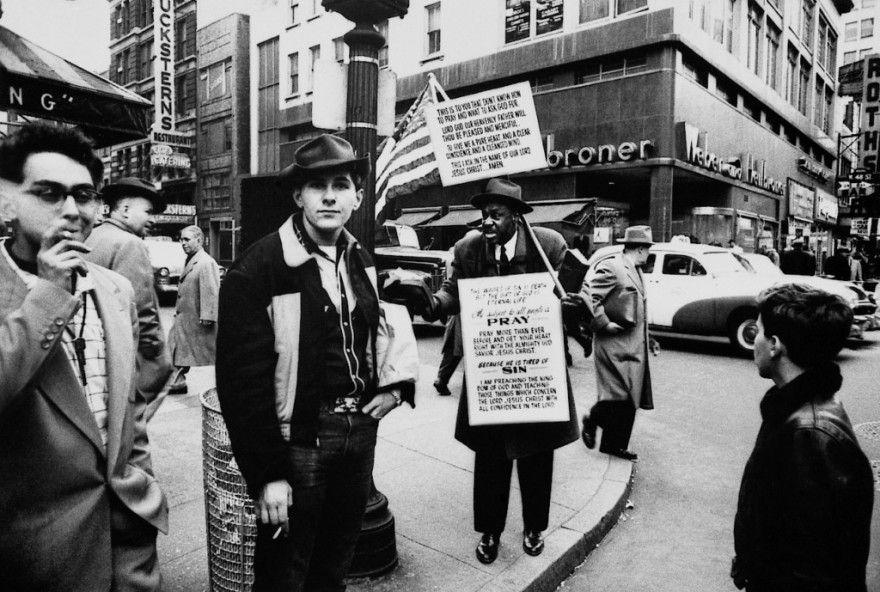 WilliamKlein fotografiando a los peatones de las calles de new york
