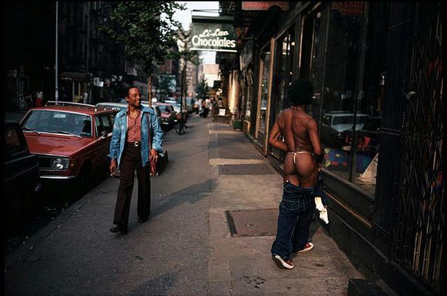 Hombre en pantalones Joel Meyerowitz