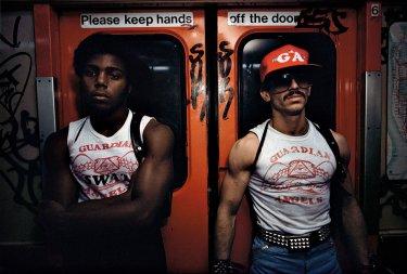 chicos en el metro de new york fotografía de bruce davidson