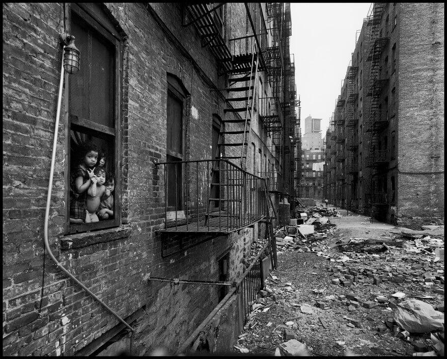 Fotografía de New York City. 1966. East 100th Street.