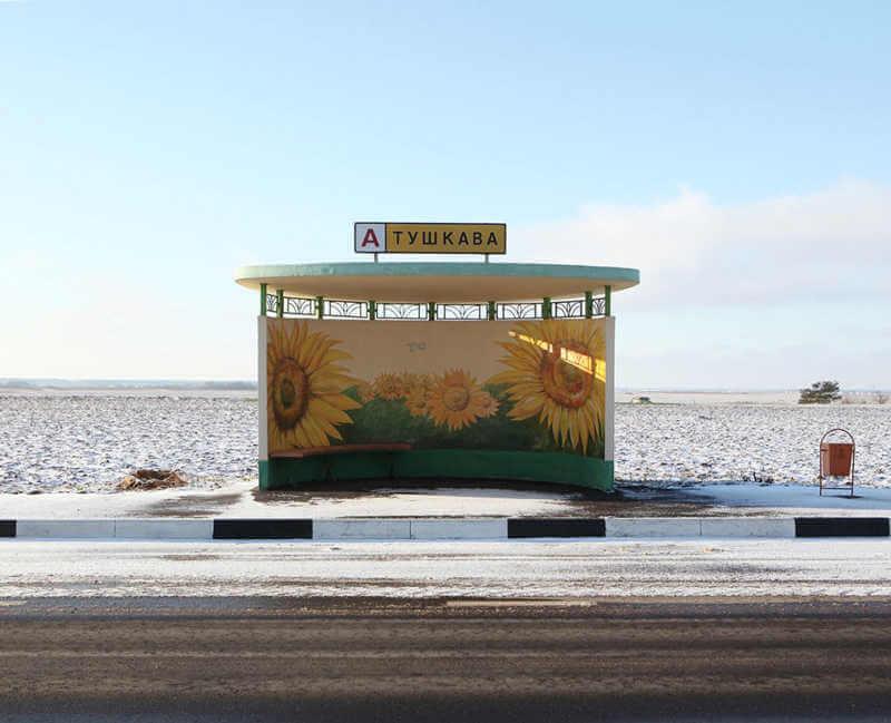 belarus-painting-bus-stops-oldskull-1