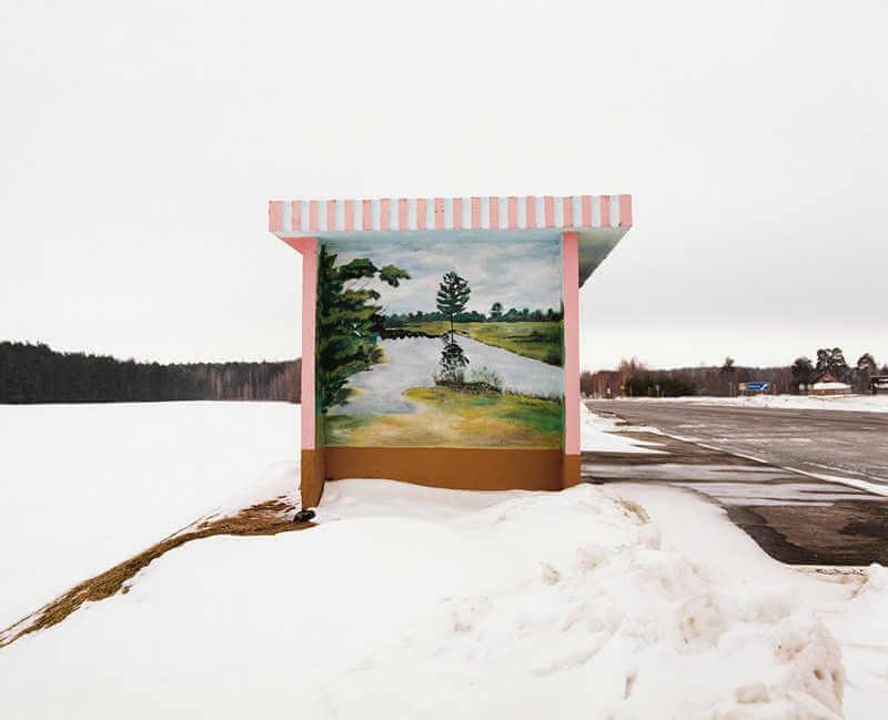 belarus-painting-bus-stops-oldskull-2