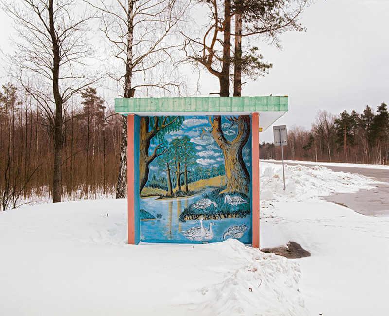 belarus-painting-bus-stops-oldskull-3