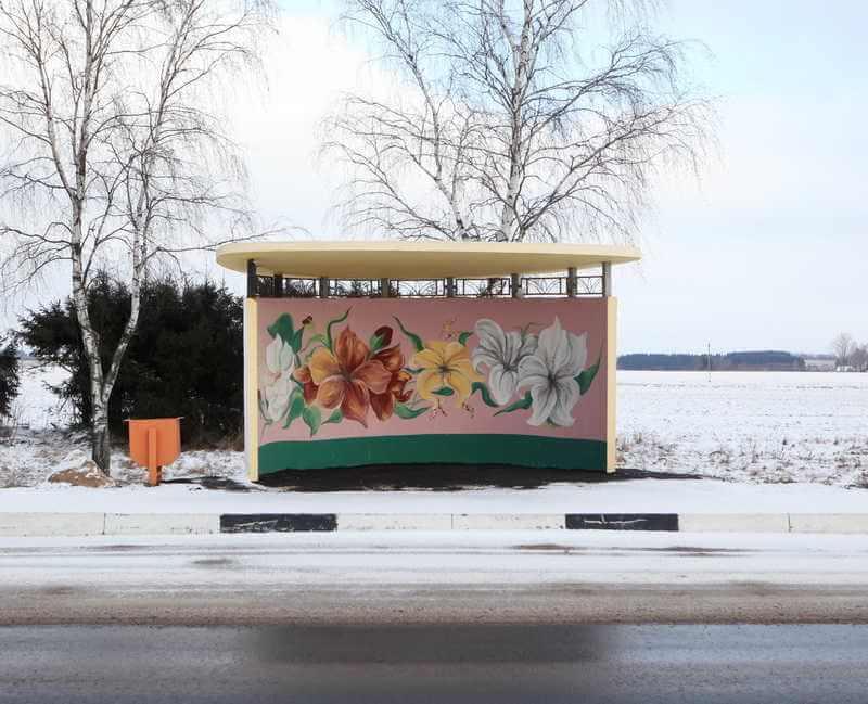 belarus-painting-bus-stops-oldskull-7