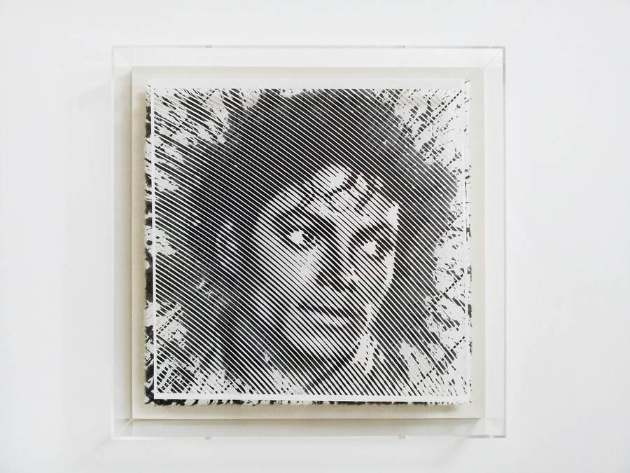 retrato de michael jackson en papel cortado