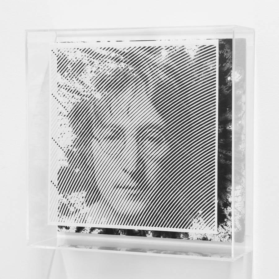 retrato de john lenon hecho con papel cortado