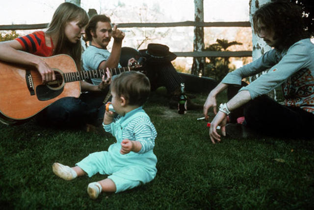 25 Iconic Photos of Rock Stars from the 1960s and 1970s Taken by Henry Diltz (18)