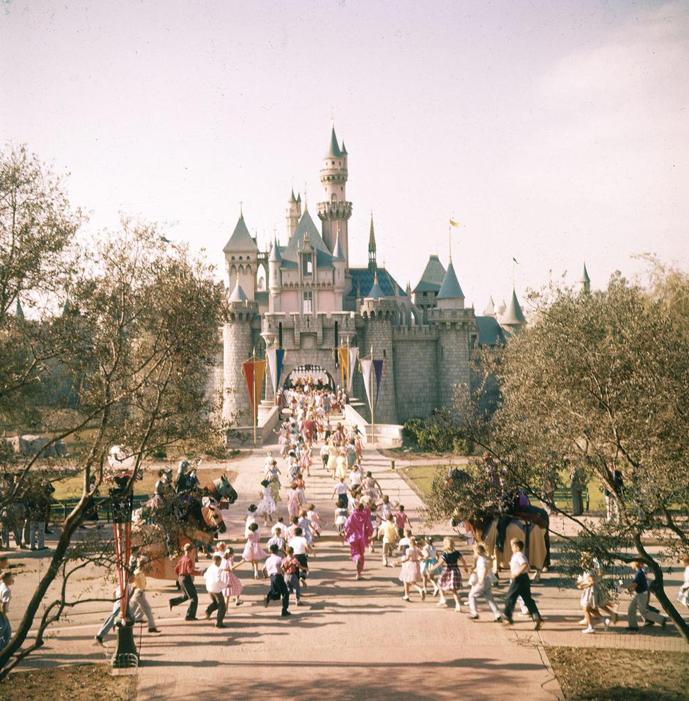 Entrdad de Disneyland en california