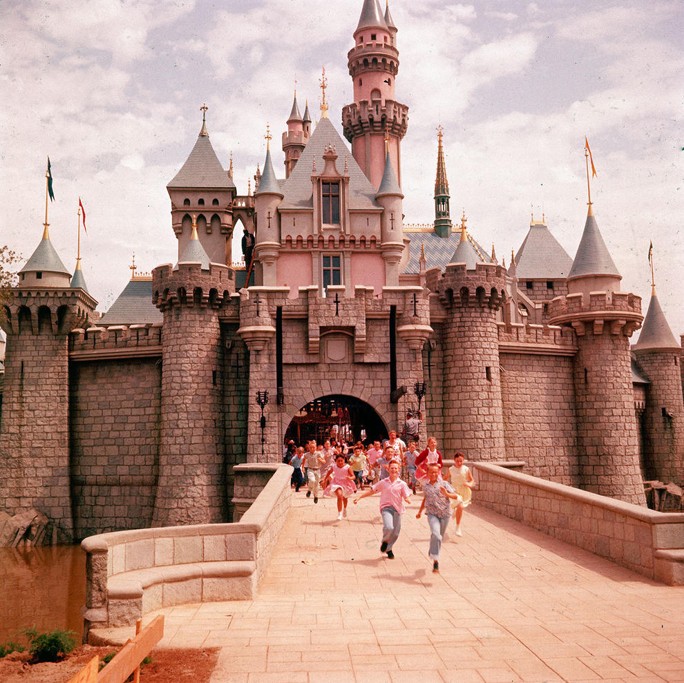 Disneyland photography in 1955 (6)