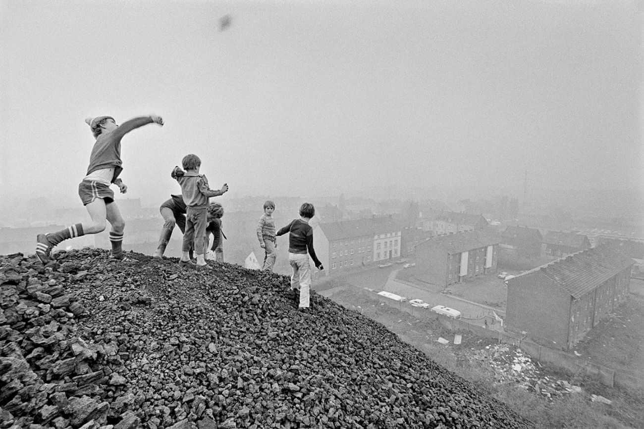 Niños jugando en berlin - Rudi Meisel