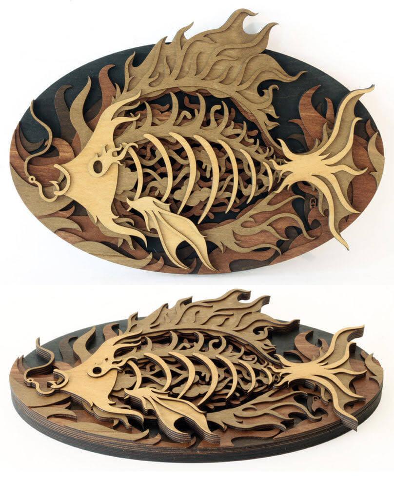 Escultura de un pez de madera by Martin Tomsky