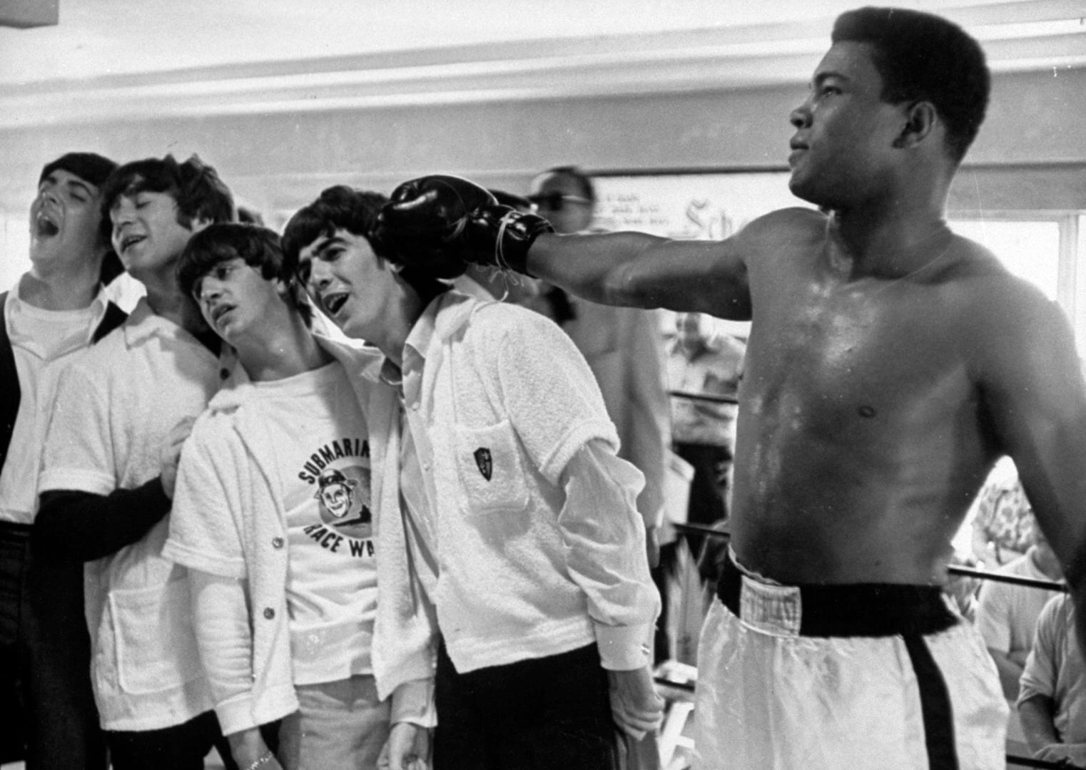 mohamed ali en una escuela de boxeo