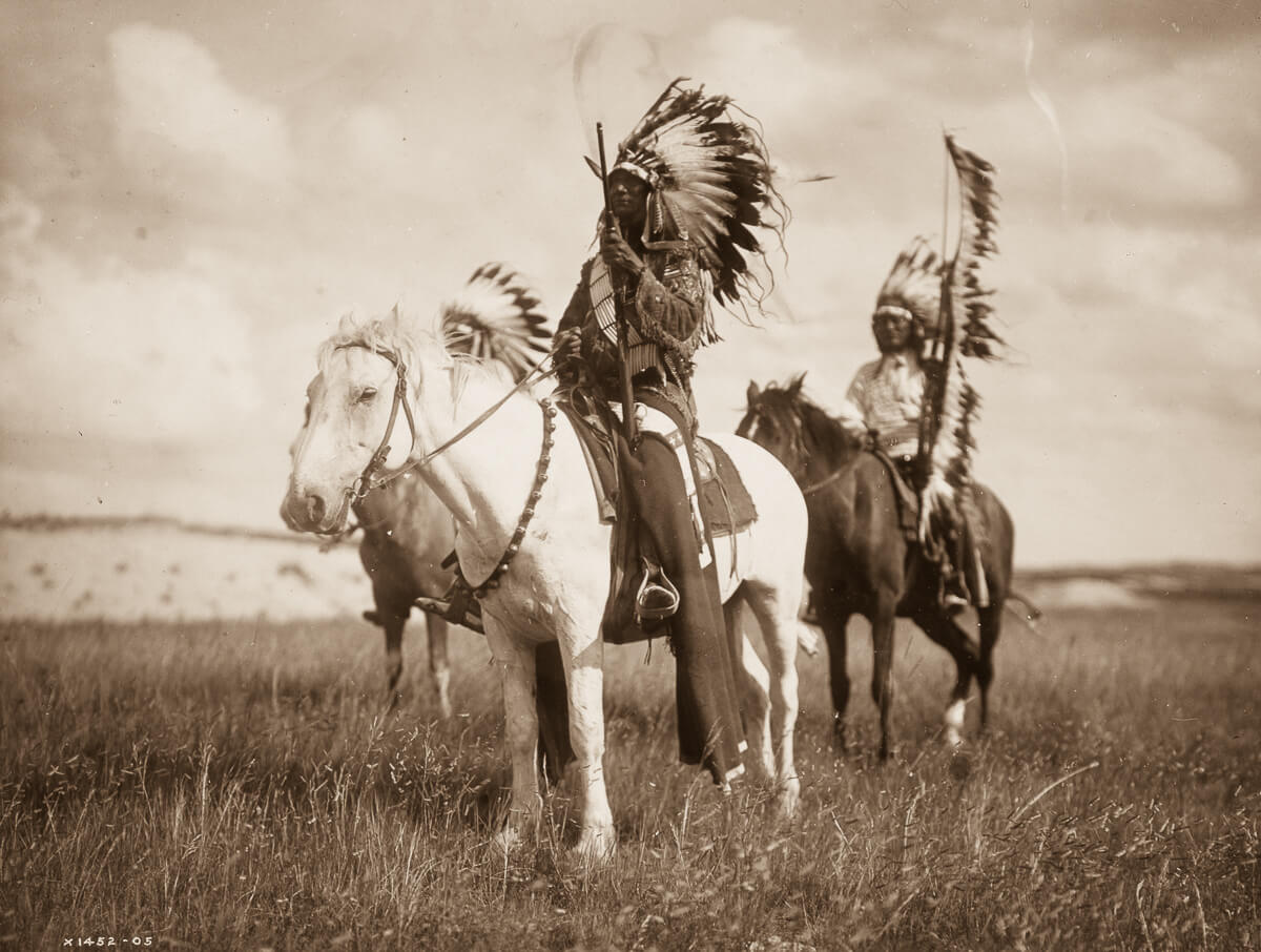 Pareja de jefes indios nativos americanos