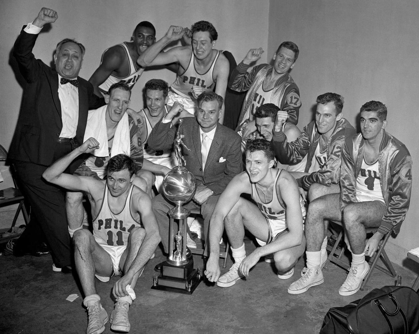 PHILADELPHIA, PA - APRIL 7: of the Philadelphia Warriors against the Fort Wayne Pistons during Game Five of the NBA Finals on April 7, 1956 at the Philadelphia Civic Center in Philadelphia, Pennsylvania. The Philadelphia Warriors defeated the Fort Wayne Pistons 99-88 and won the series 4-1. NOTE TO USER: User expressly acknowledges and agrees that, by downloading and or using this photograph, User is consenting to the terms and conditions of the Getty Images License Agreement. Mandatory Copyright Notice: Copyright 1956 NBAE (Photo by Charles T. Higgins/NBAE via Getty Images)