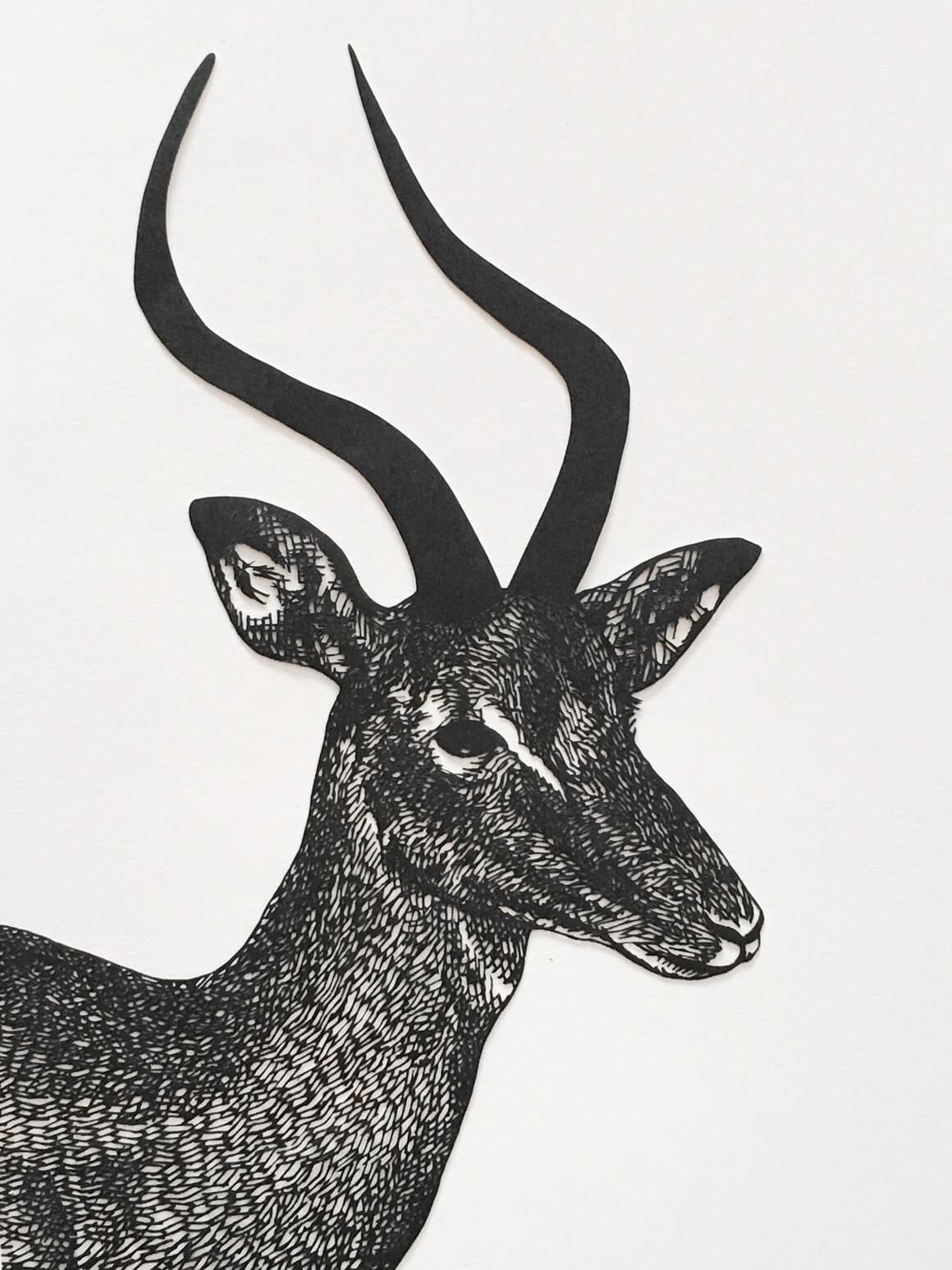 ciervo hecho con papel cortado po Kanako Abe