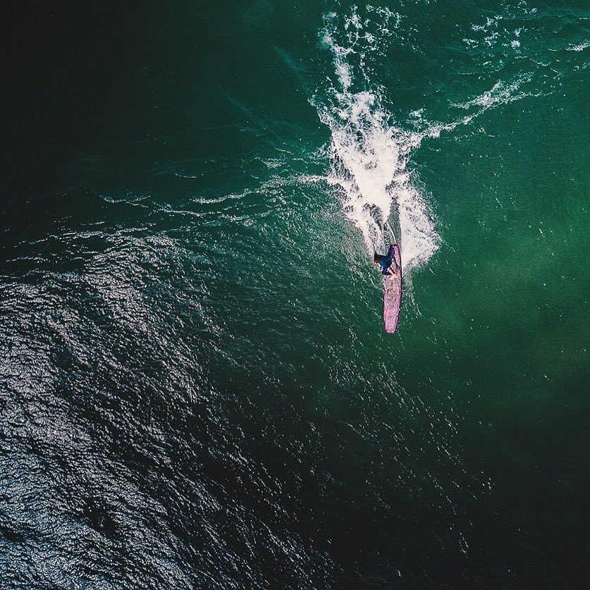 Vista aerea de surf fotografiada en portugal