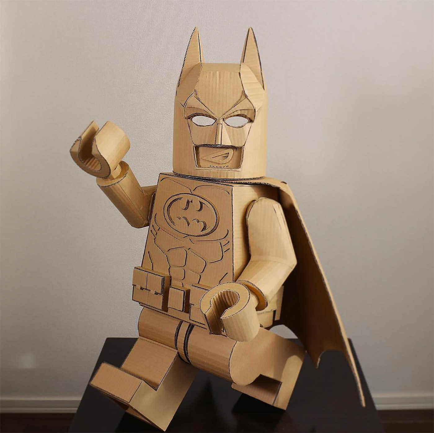 lego batman hecho de cartón