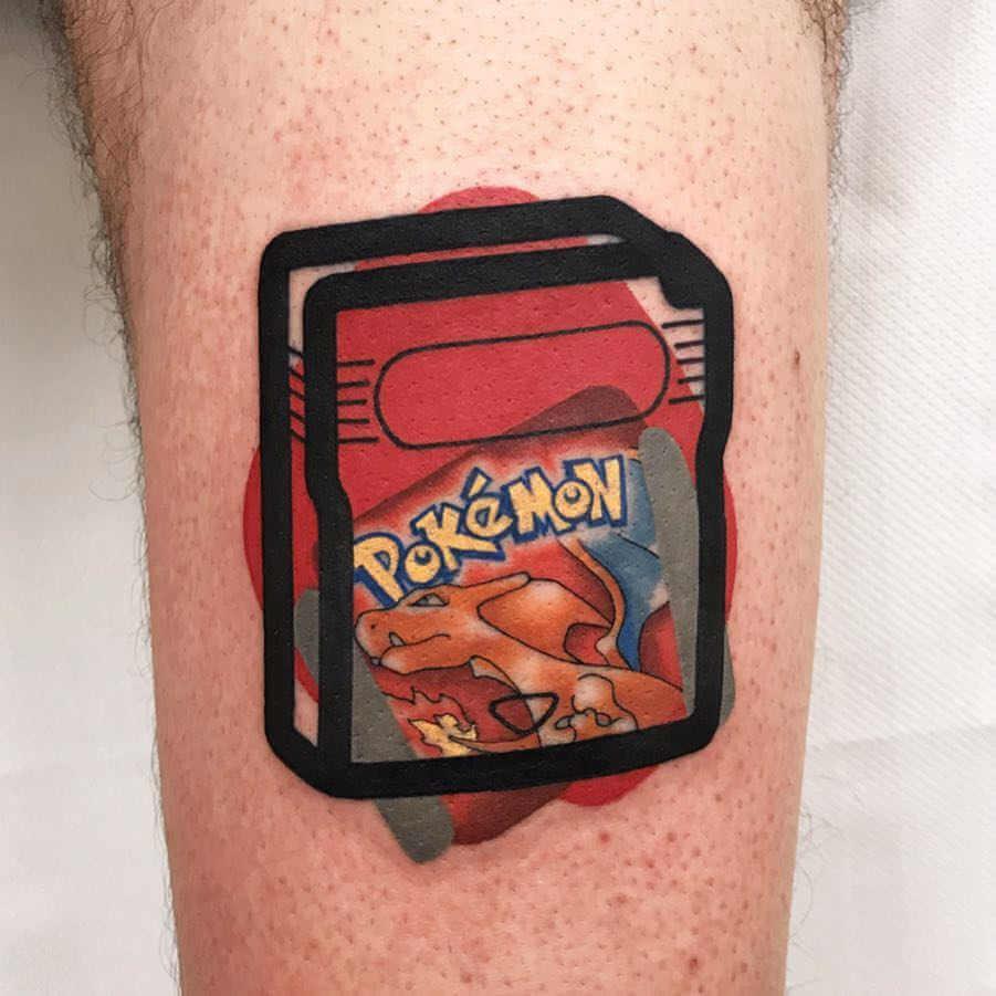 Tatuaje gameboy pokemon