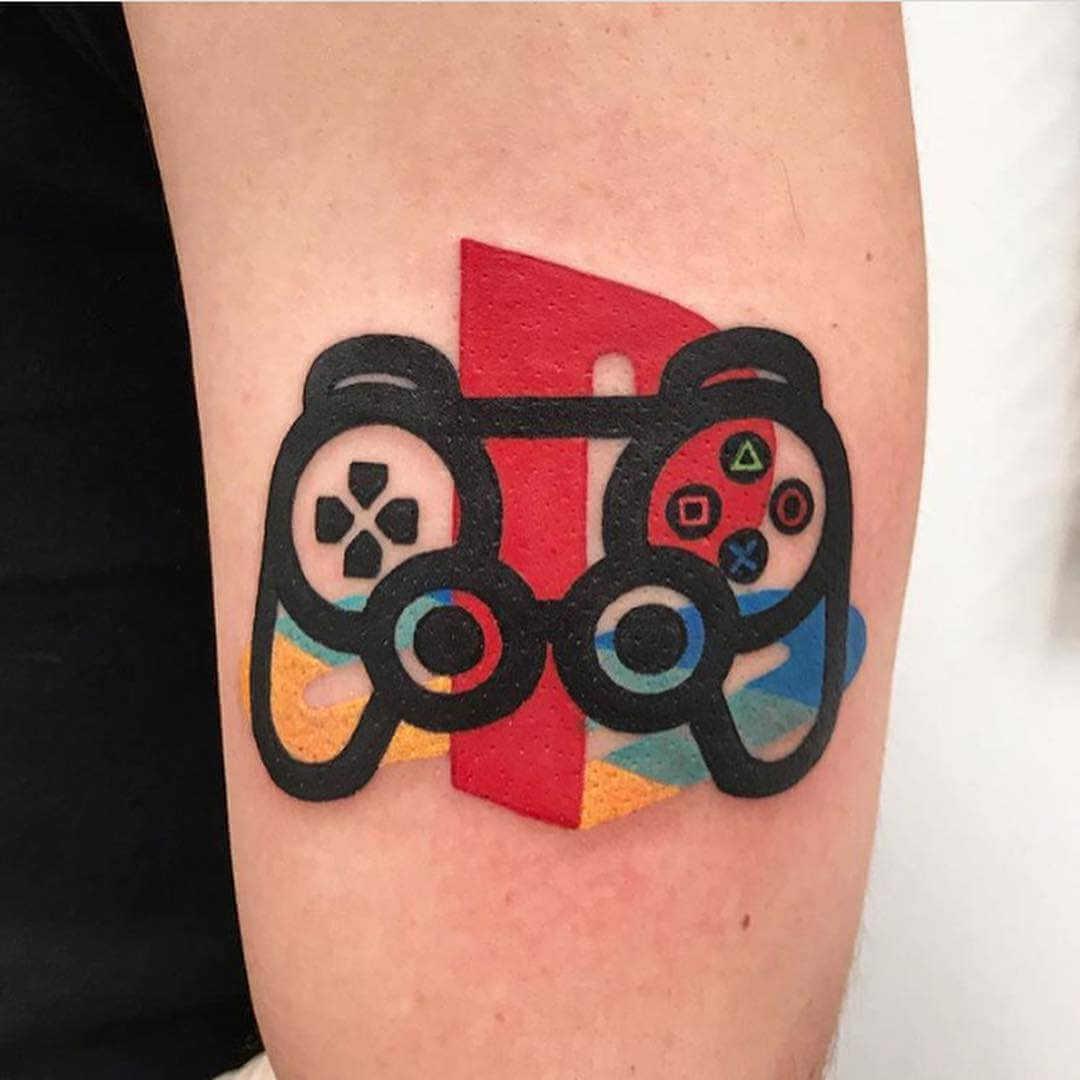 Tatuaje mando playstation one