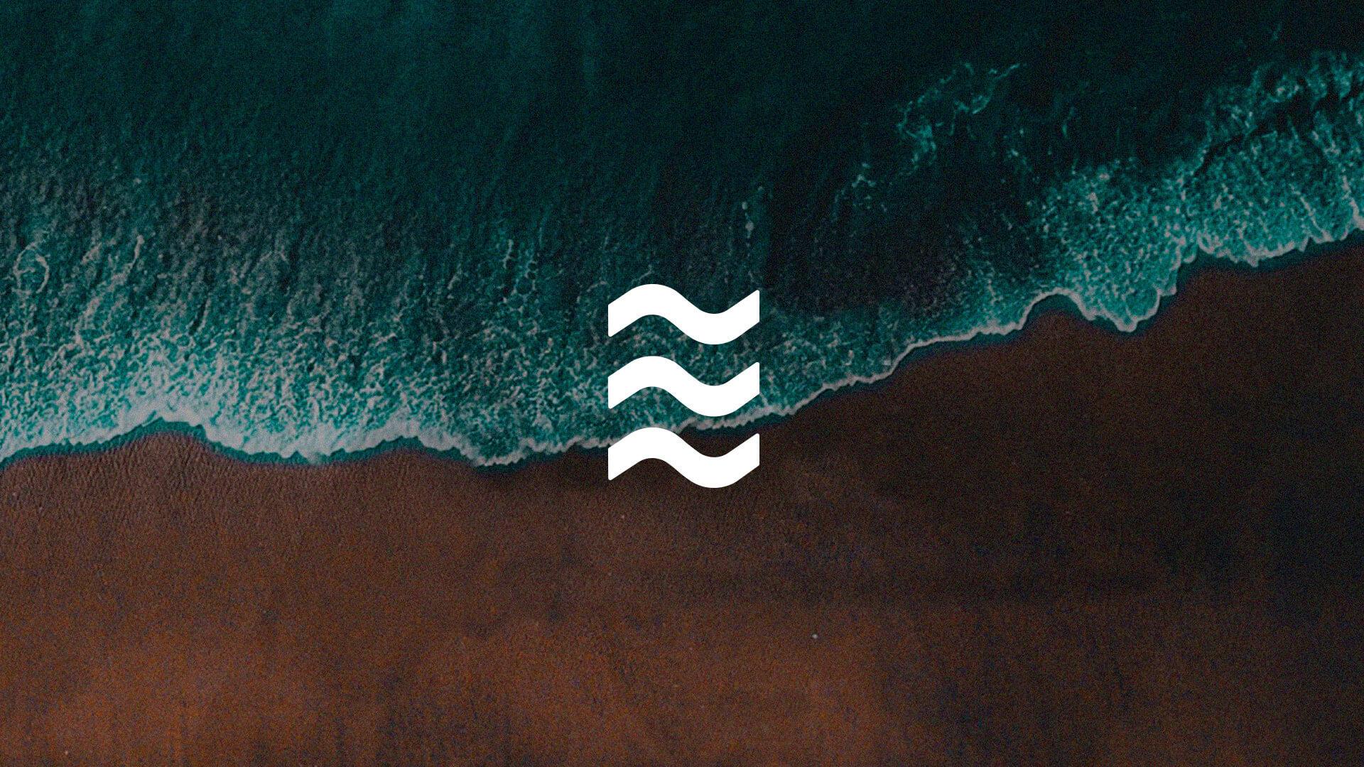 LA INPIRACION VINO DEL MAR Y EL MUNDO DEL SURF BRANDING PAOLO AGOSTINI TEAHUPOO