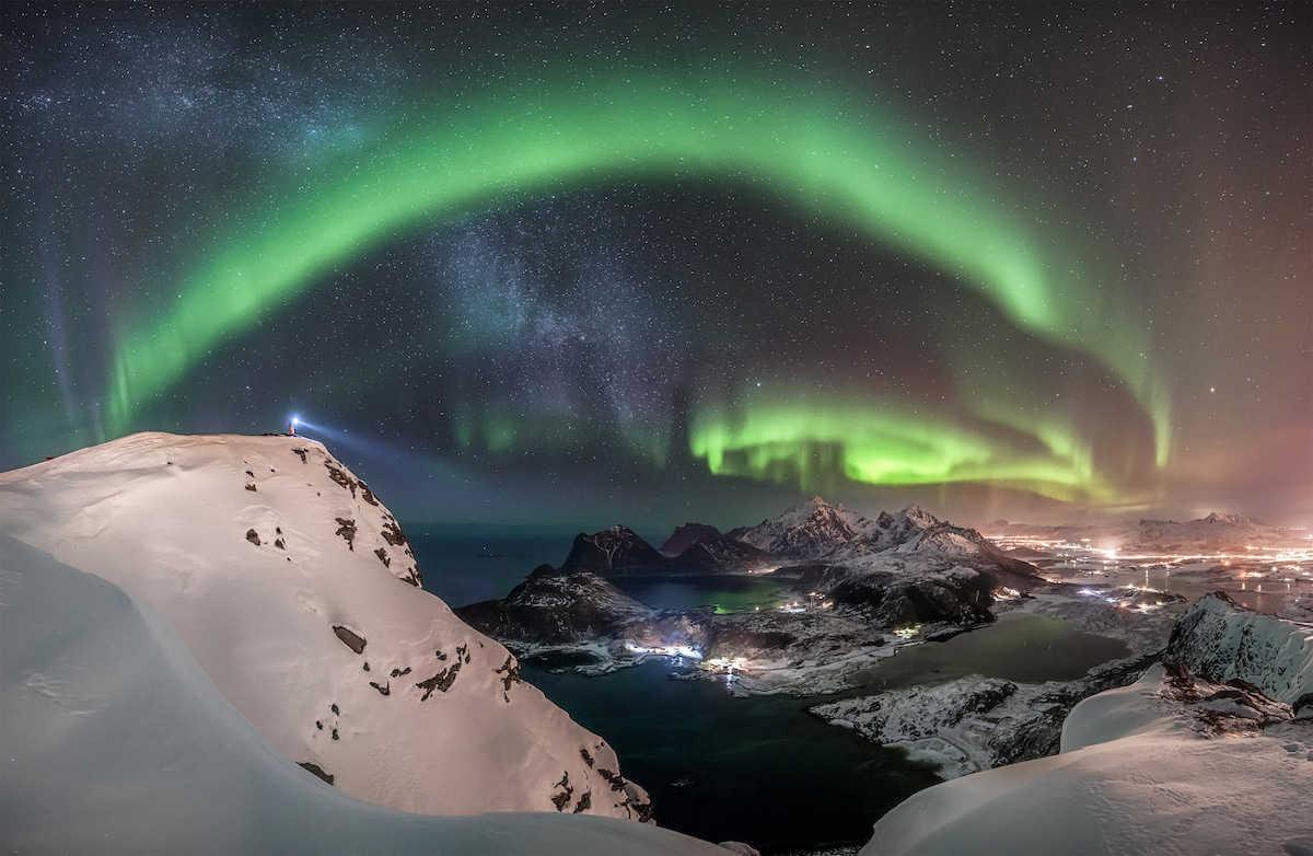 """Fotografía astronómica The Watcher"""" por Nicolai Brügger (Alemania)"""