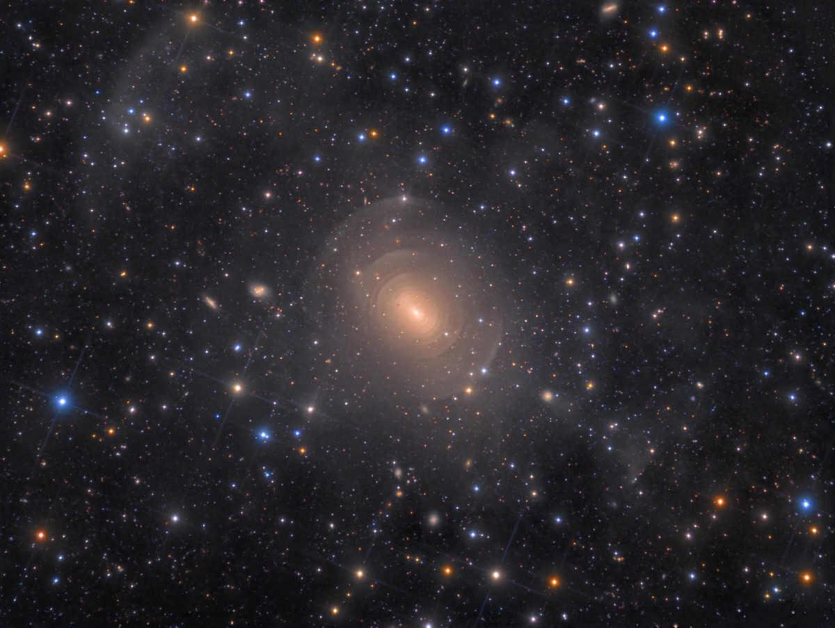"""""""Shells of Elliptical Galaxy NGC 3923 de Hydra"""" por Rolf Wahl Olsen"""