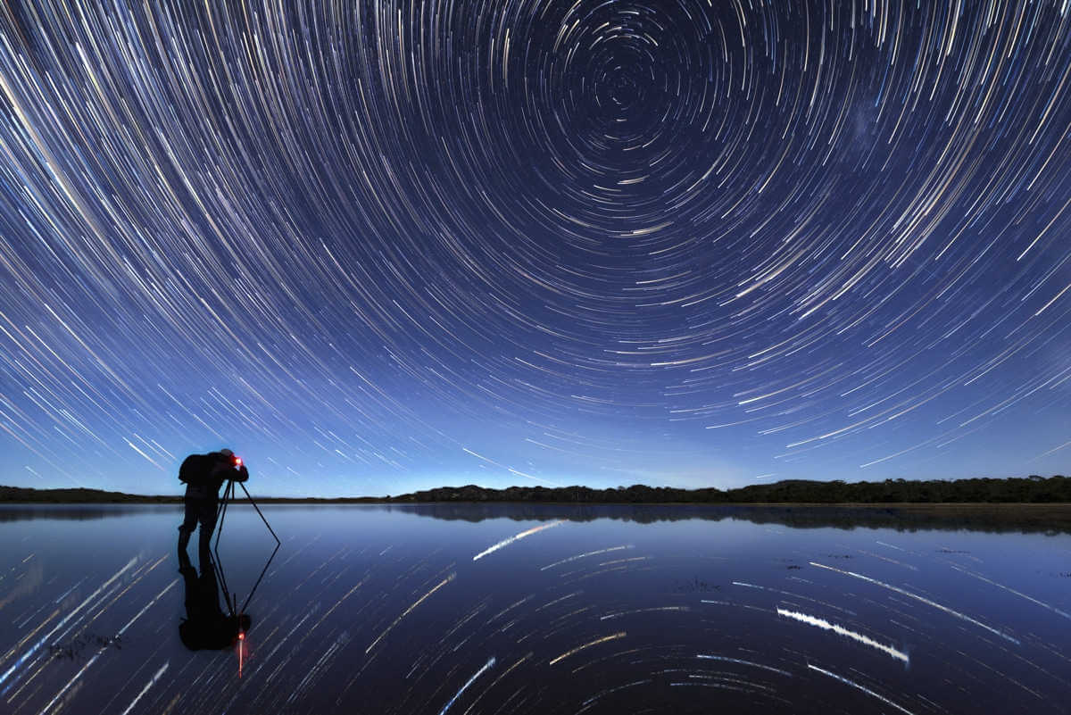 Cosmic Plughole por James Stone (Australia)