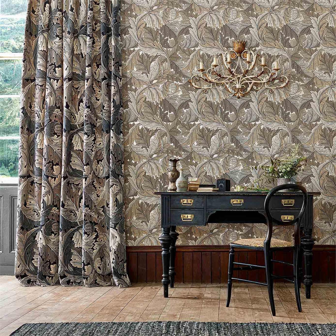 Pared decorada con motivos diseñados por William Morris