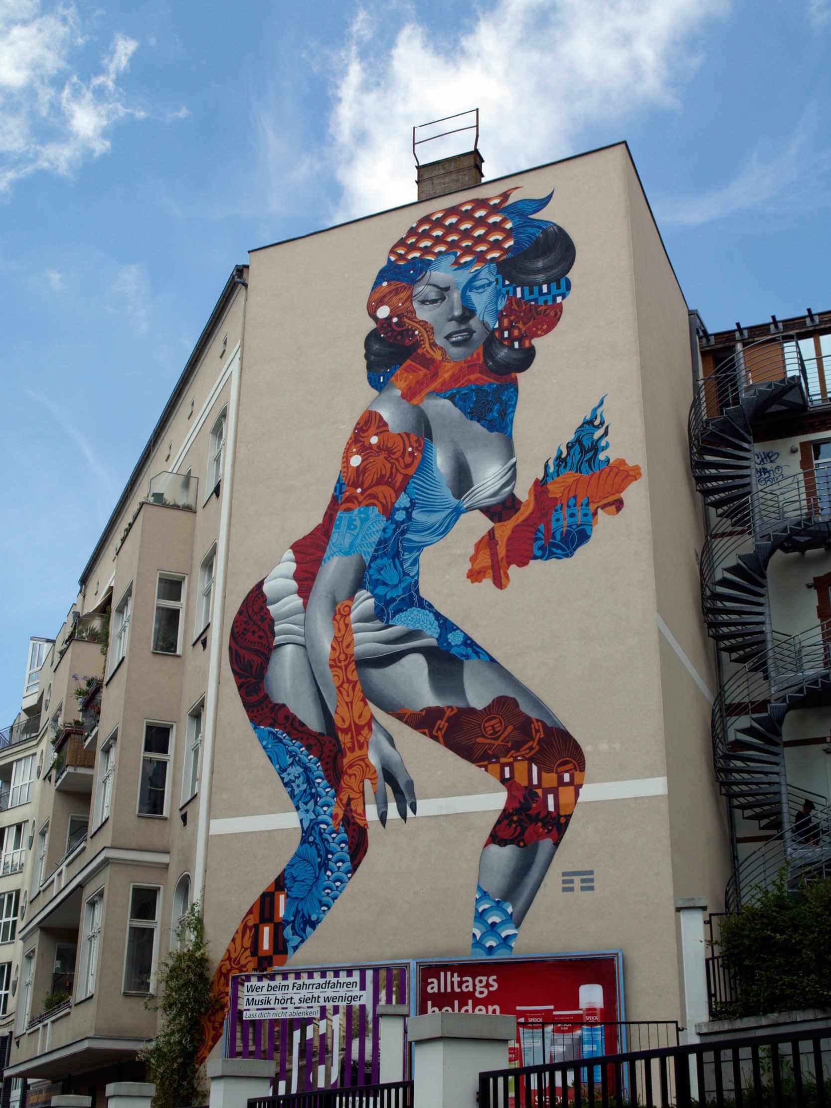 mural gigante de tristan eaton de la pelicula la mujer de los 50000 pies