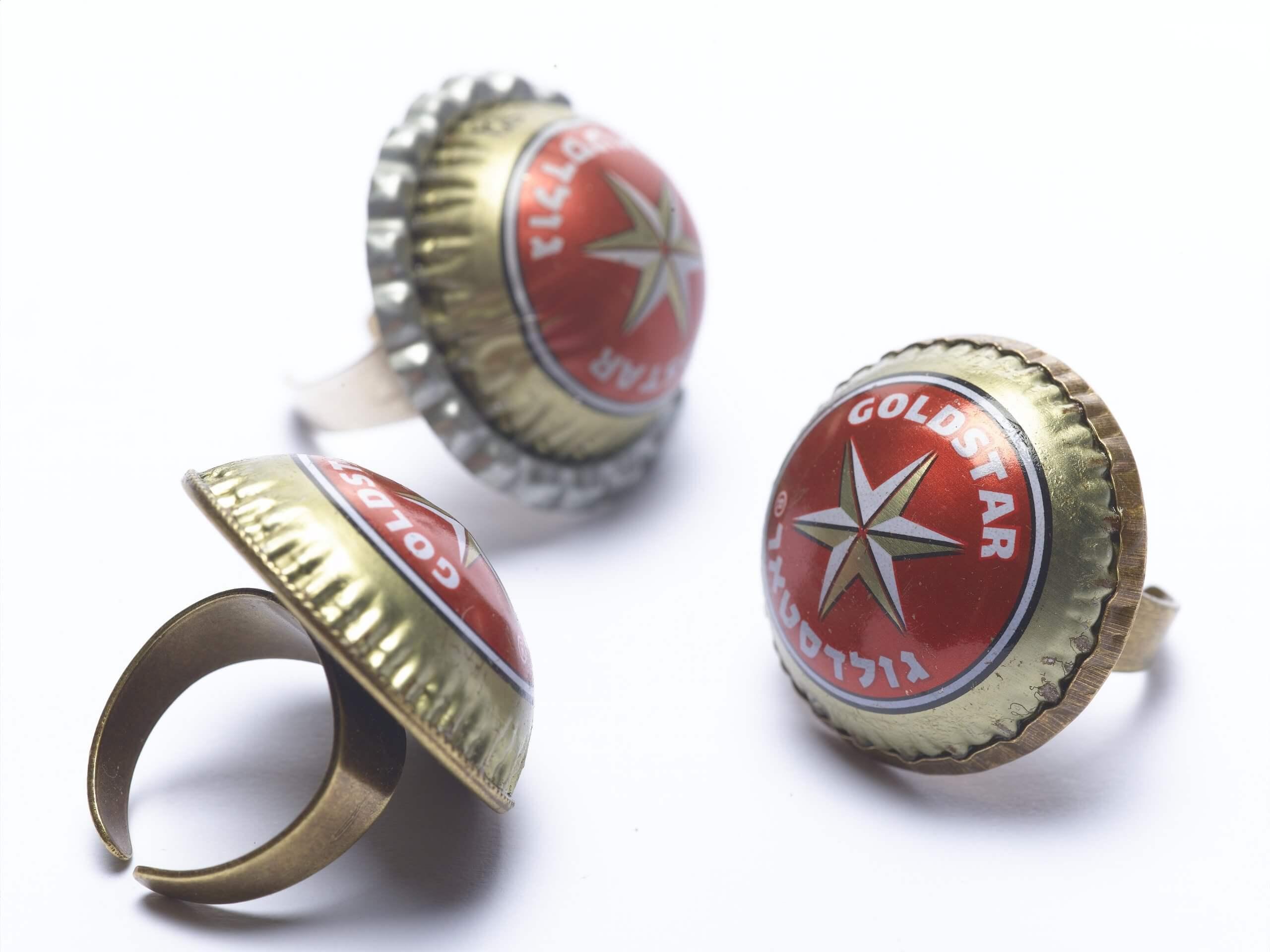anillos con tapas de cerveza