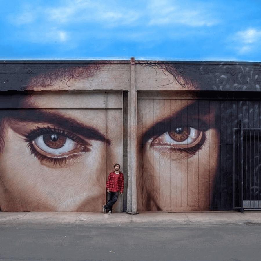 Mural grafitti Prince por cobre